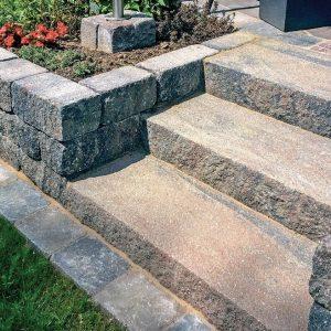 Фото сходи з каменю. Салон тротуарної плитки «Melius» у Вінниці