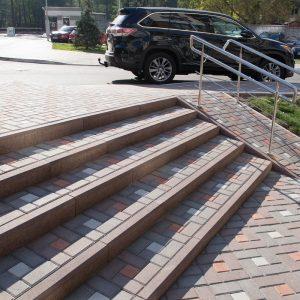 Фото бетонний бордюр та тротуарна плитка від салону тротуарної плитки «Melius» у Вінниці