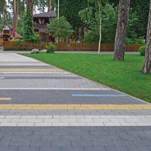 Тротуарна плитка у Вінниці у парку Фото від салону тротуарної плитки «Melius» у Вінниці