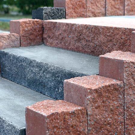 Фото сходів з блоків від салону тротуарної плитки «Melius» у Вінниці