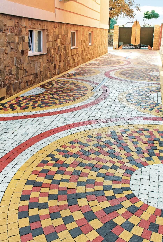 Фото оригінальної укладки бруківки від салону тротуарної плитки «Melius» Вінниця