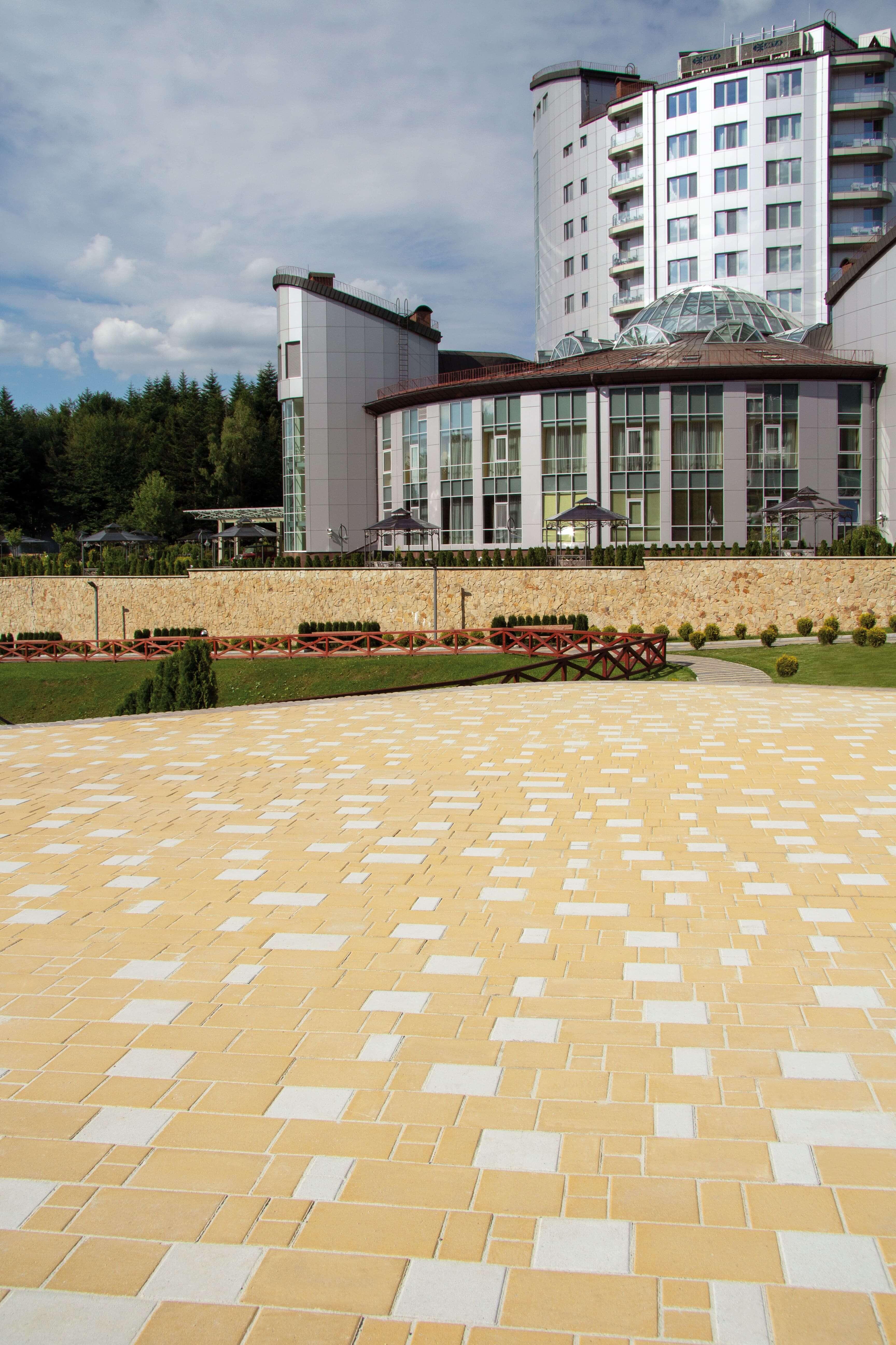 Жовто біла тротуарна плитка від салону тротуарної плитки «Melius» Вінниця