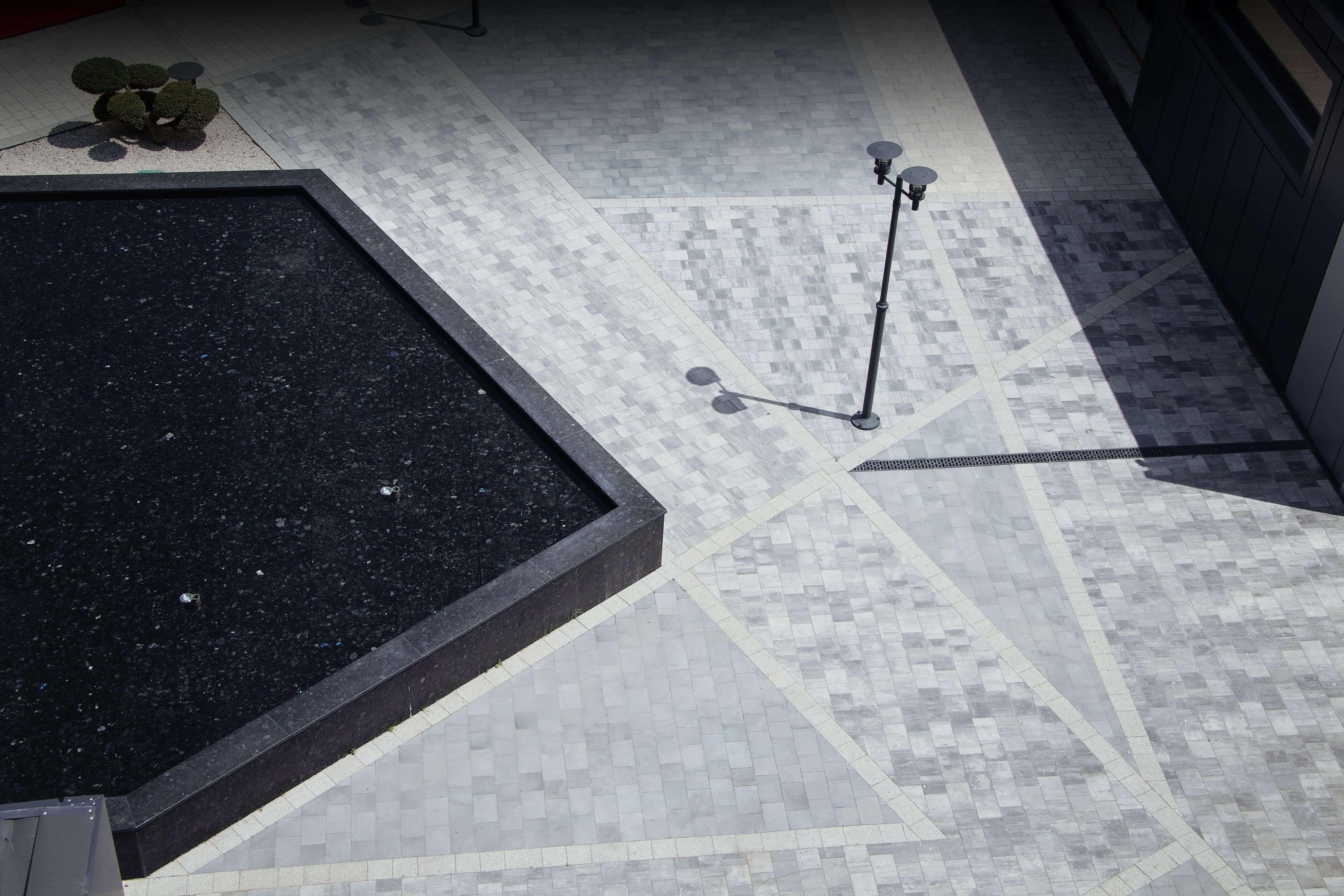 Фото укладки бруківки від салону тротуарної плитки «Melius» Вінниця